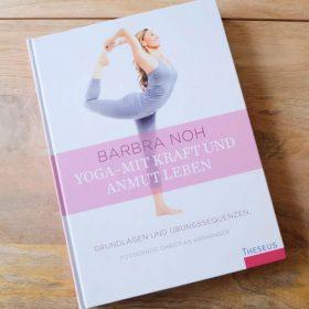 barbra-noh-yoga-book-yoga-mit-kraft-und-anmut-leben